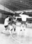 Eran tanto los equipos que participaban en esos años que algunos partidos debian disputarse incluso sábados y domingos en la mañana